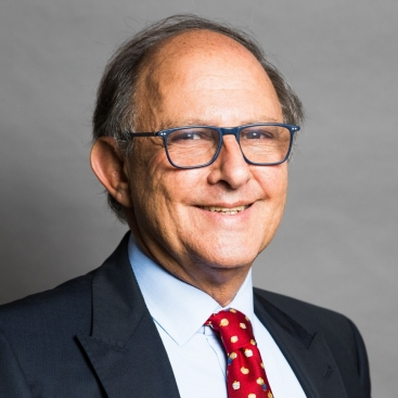 Photo of Stuart Isaacs QC features as a leading silk in The Legal 500 Asia Pacific